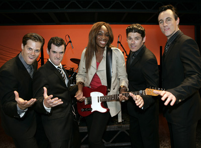 Venus Williams meets Stephen Mahy, Bobby Fox, Scott Johnson and Glaston Toft from Jersey Boys